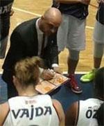 coach Ekin Bas