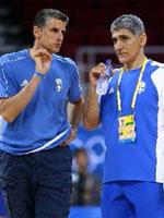 coach Nikos Linardos