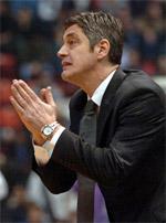 coach Oktay Mahmudi