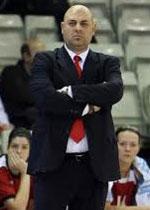 coach Lucas Mondelo