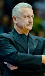coach Dariusz Szczubial