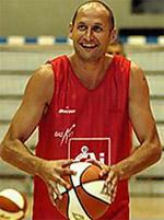 Alberto Angulo basketball