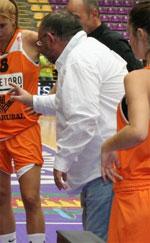 Juan De Mena basketball