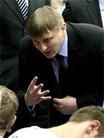 Roman Dvinyaninov basketball