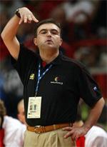 Moncho Lopez basketball
