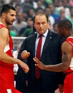 Manos Manouselis basketball