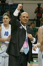 Lucas Mondelo basketball