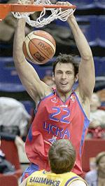 Tomas Van Den Spiegel basketball
